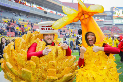 South Carolina Takes Outback Bowl Title, Everyone Wins Free Bloomin' Onion Appetizers On January 2