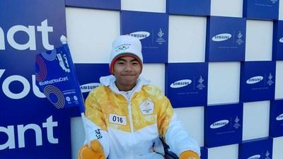 Yan Yuhong est interviewé par les médias locaux (PRNewsfoto/Samsung (China))