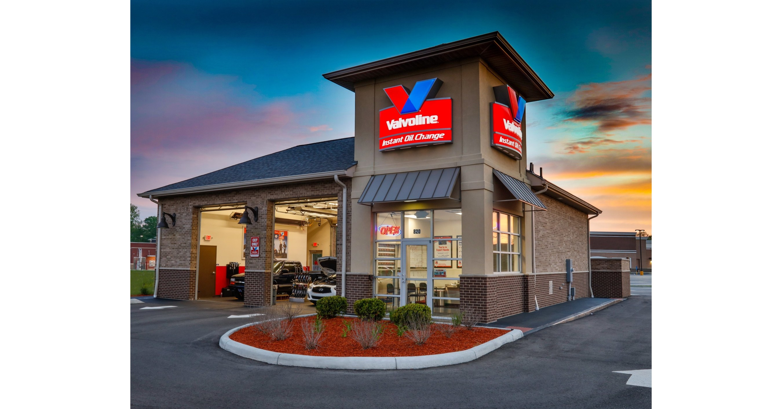 Quick Oil Change Near Me >> Valvoline Announces Opening Of New Franchised Quick Lube Center In
