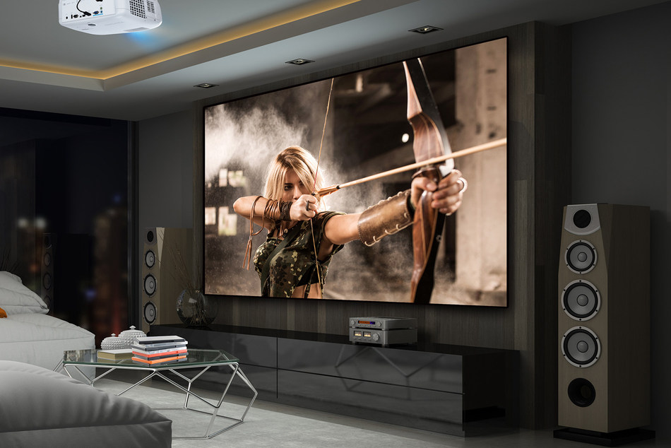 The PX727-4K is the first 4K Ultra HD projector from ViewSonic which delivers 3840x2160 resolution at a price point that makes 4K technology accessible to a wider market of home theater enthusiasts. (CNW Group/ViewSonic)