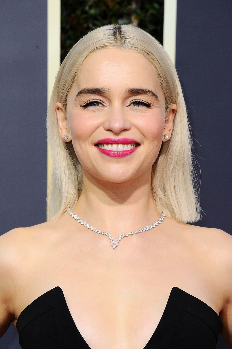 Emilia Clarke Wears Platinum Jewelry to the Golden Globes #BePlatinum