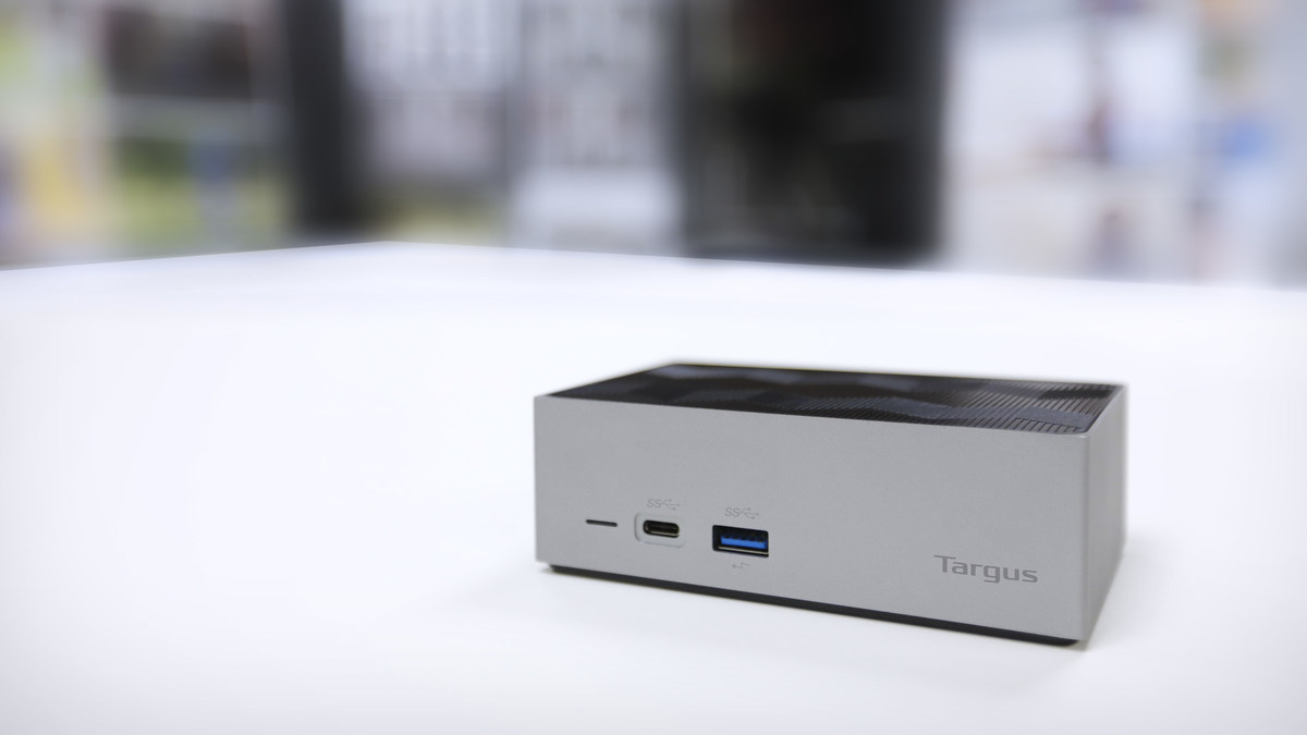 Gay Docking Pics with targus shows off its latest thunderbolt™ 3 docking station at ces
