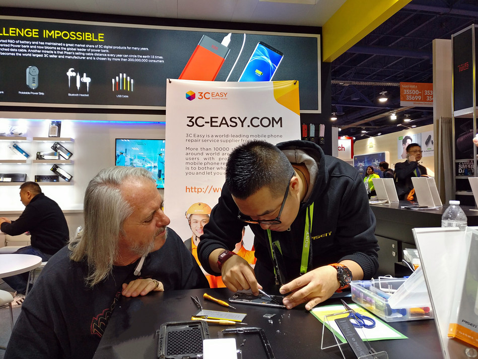 3C-Easy providing professional battery replacement service at CES.