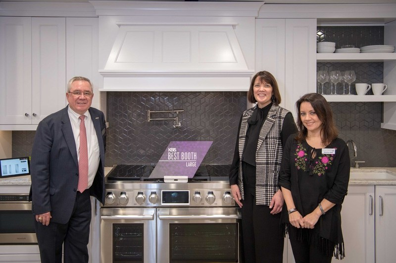 Signature Kitchen Suite and LG Electronics Capture Coveted 'Best Booth' Award at KBIS 2018