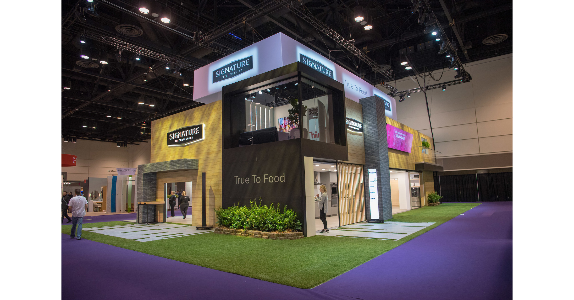 Signature kitchen suite and lg electronics capture coveted for Signature kitchen suite