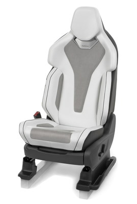 "Performance seating ""designed by Recaro"" for compact sporty utility vehicles: The SUV Performance Seat has been specifically developed by Recaro experts for the unique driving dynamics of SUVs."