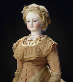 Theriault's Auction House Establishes New Auction Record for an Antique Doll