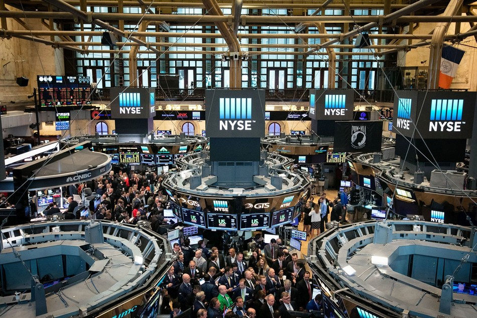 Avaya Holdings Corp. (NYSE:AVYA), a leading global business communications company, is ringing the Opening Bell® on January 17th to celebrate the company's listing on the New York Stock Exchange (NYSE). (PRNewsfoto/Avaya Holdings Corp)