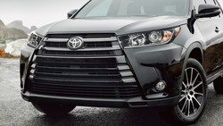 Even with a new vehicle like the 2018 Toyota Highlander, drivers can utilize the maintenance services offered at Royal South Toyota.
