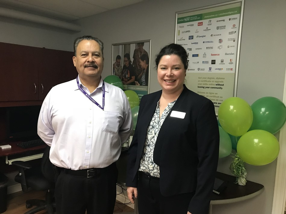 Daniel Bruyere, Director of Community Support Program, Mohawk Council of Akwesasne and Christina Patterson, Director, Recruitment and Partnerships, Contact North | Contact Nord open an online learning centre in Akwesasne. (CNW Group/Contact North)