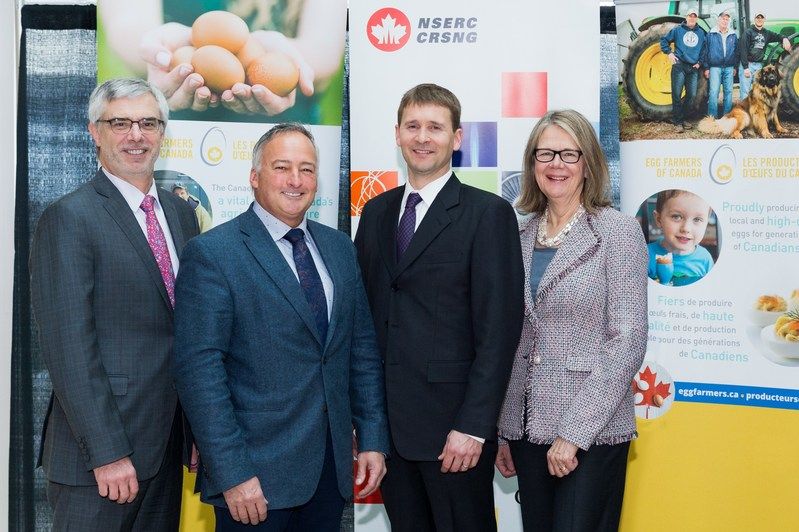 The VP of Research and Partnership at NSERC Marc Fortin, CEO of Egg Farmers of Canada Tim Lambert, Dr. Nathan Pelletier and Deputy Vice-Chancellor & Principal of UBC-Kelowna Deborah Buszard, revealed the details of their partnership this morning in Kelowna. (CNW Group/Egg Farmers of Canada)