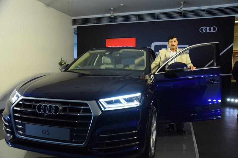 Mr. Rajiv Sanghvi, Managing Director, Audi Hyderabad launching the New Audi Q5 (PRNewsfoto/Audi Hyderabad)