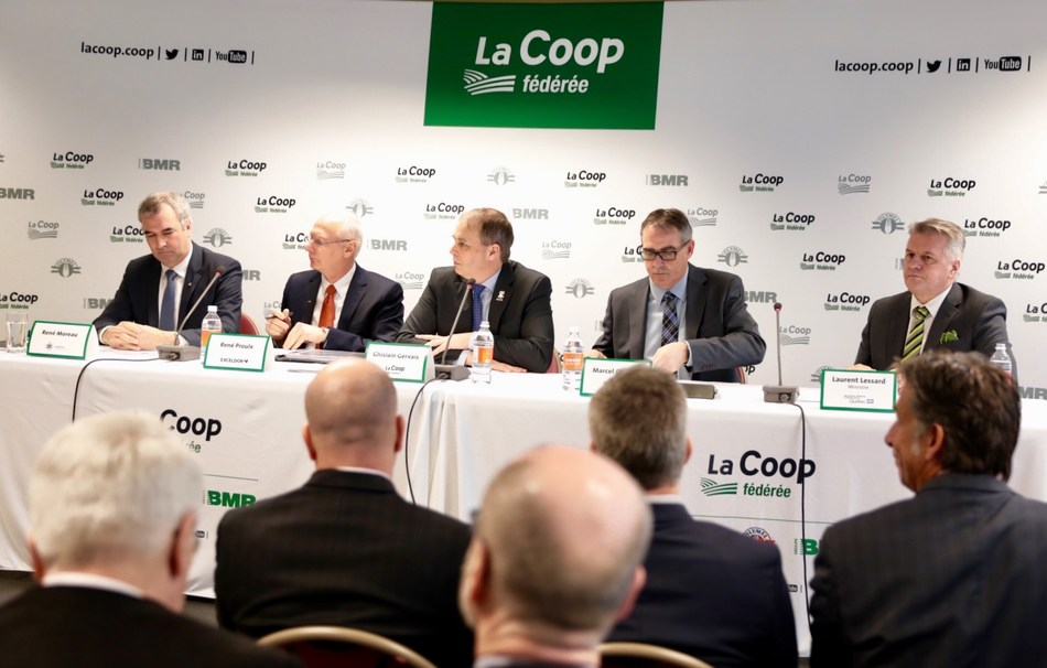 Mr. René Proulx, President and Chief Executive Officer of Exceldor, Mr. René Moreau,  President of Agropur Cooperative, Mr. Ghislain Gervais, President of La Coop fédérée, Mr. Marcel Groleau, President of l'Union des producteurs agricoles du Québec and Mr. Laurent Lessard, Minister of Agriculture, Fisheries and Food. (CNW Group/La Coop fédérée)