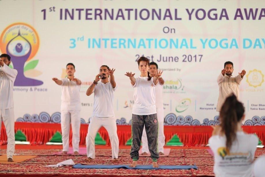 International Yoga Day Celebrations at Rishikul Yogshala in India (PRNewsfoto/Rishikul Yogshala)