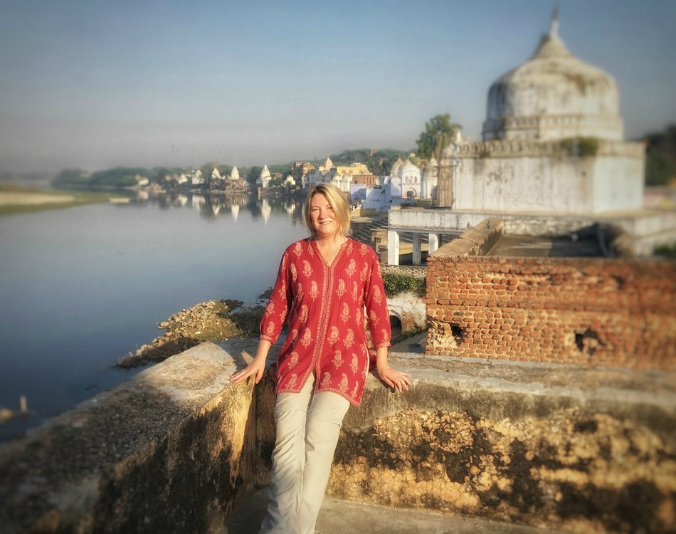 India traveller and blogger Mariellen Ward of Breathedreamgo.com in Bateshwar. (CNW Group/Breathedreamgo)