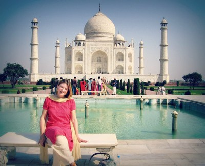 India traveller and blogger Mariellen Ward of Breathedreamgo.com at the Taj Mahal. (CNW Group/Breathedreamgo)