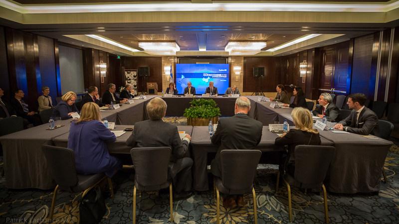 Beijing (Chine), le 22 janvier 2018. – Lors d'une mission économique en Chine, le premier ministre, Philippe Couillard, a pris part à une table ronde avec les participantes et participants du volet général Recherche et innovation. (Groupe CNW/Cabinet du premier ministre)