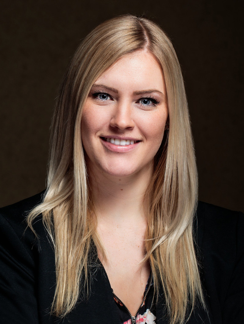 Crystal Komanchuk, ARP (Groupe CNW/Société canadienne des relations publiques)