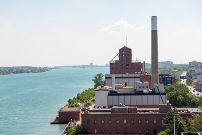 """Hiram Walker & Sons distillery named """"Distillery of the Year"""" at the 2018 Canadian Whisky Awards (CNW Group/Hiram Walker & Sons Limited)"""