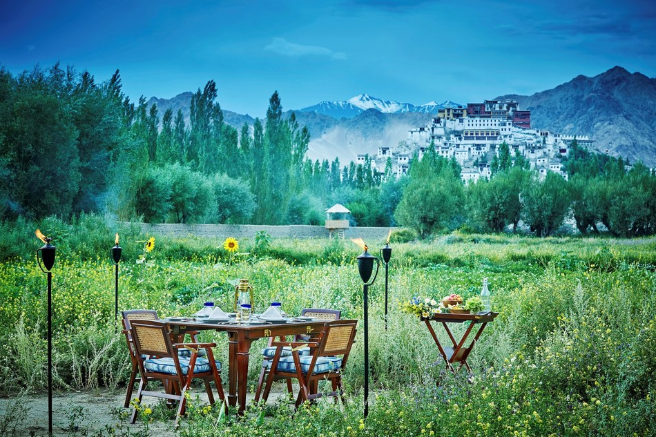 At 3500 metres up, TUTC's exceptional services cater to all the whims and fancies of its esteemed guests. (PRNewsfoto/The Ultimate Travelling Camp)