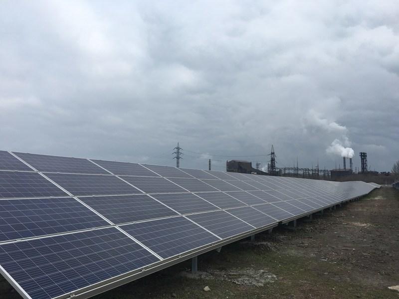 Tiu canada commissions 10 7 megawatt solar energy plant in for Solar installers canada