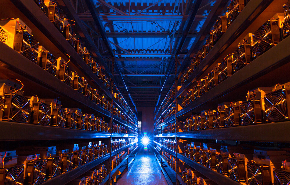 CryptoGlobal mining machines validate blockchain transactions inside its large-scale Canadian data center.  Source: www.cryptoglobal.io (CNW Group/CryptoGlobal Corp.)