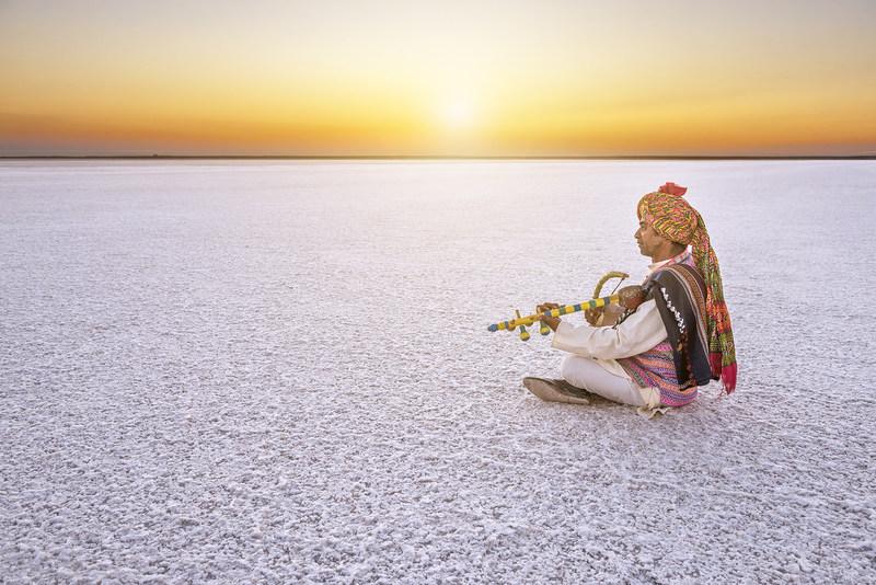 Photo Tourism @ White Rann Resort (PRNewsfoto/Innovative Council of Indian)