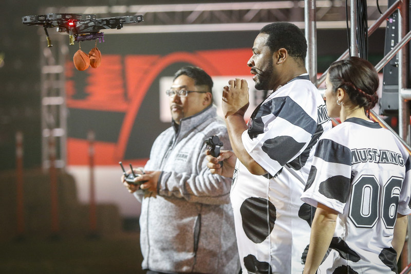 NFL Hall of Famer Jerome Bettis competed with farmer Katie Dotterer-Pyle in the Drone Drop at the Land O'Lakes Farm Bowl in Minneapolis on Thursday, Feb. 1, 2018.