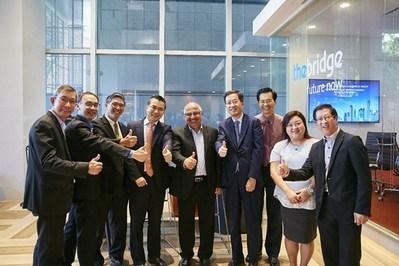 MOU Signing Ceremony between Envision and Ascendas-Singbridge (PRNewsfoto/Envision)