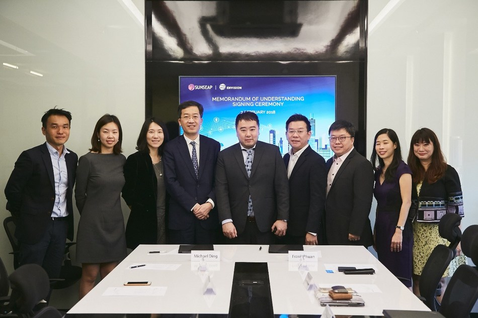 Envision and Sunseap's MOU signing (PRNewsfoto/Envision)