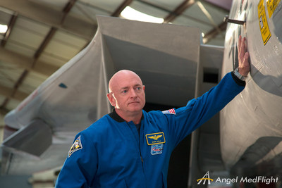 Captain Mark Kelly, one of the country's most experienced pilots, revisits aircraft from his career and shares his experience.