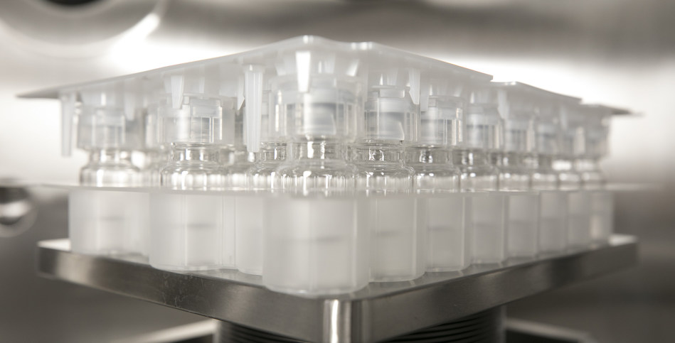 Vanrx is announcing that Ompi EZ-fill® vials and Daikyo Seiko PLASCAP® press-fit closures are confirmed as a Product Set for use with Vanrx Pharmasystems' Aseptic Filling Workcells.