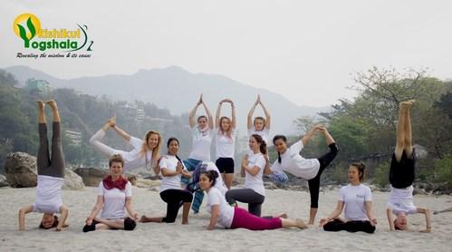 Yoga Retreat in Rishikesh (PRNewsfoto/Rishikul Yogshala)