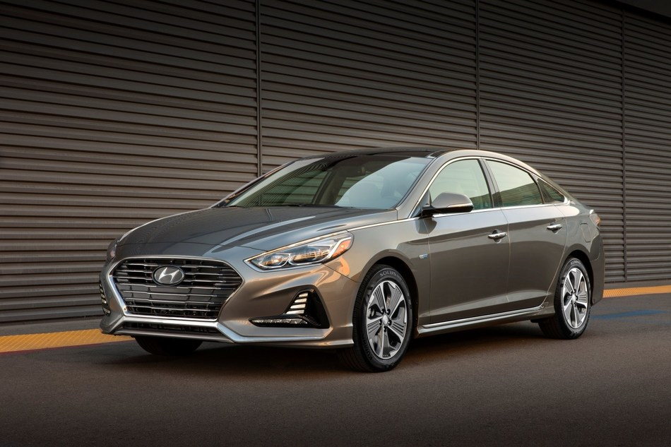 Hyundai Reveals 2018 Sonata Hybrid and Plug-in Hybrid Models at Chicago Auto Show