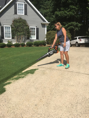 YARD FORCE YF120vRX Lithium-Ion Leaf Blower Driveway In Use