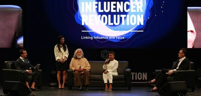 Zhang Jizhong, the best-known producer and director in Chinese film & television; Siti Kamaluddin, the first female director in Brunei and Freed Ma, Partner and COO of Operation Center Asia-Pacific of Influence Chain shared their insights on Fans Economy 4.0 in the roundtable discussion.