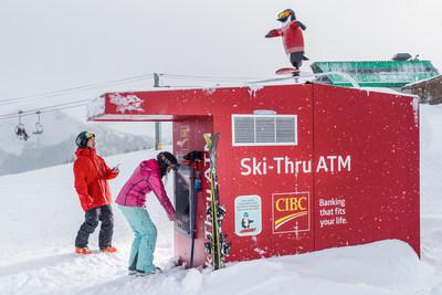Le premier GAB accessible en skis au monde est de retour à Whistler Blackcomb avec un « petit plus », alors que la Banque CIBC appuie les athlètes des équipes de ski canadiennes au moyen d'un manchot surfeur des neiges activé à l'aide de Twitter. (Groupe CNW/Banque CIBC)