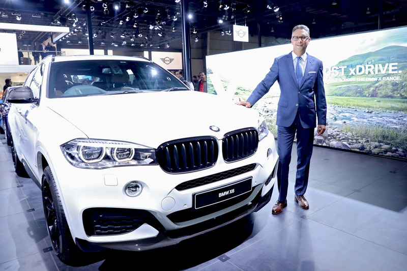 Mr. Vikram Pawah with the new BMW X6 xDrive35i M Sport (PRNewsfoto/BMW India Private Limited)