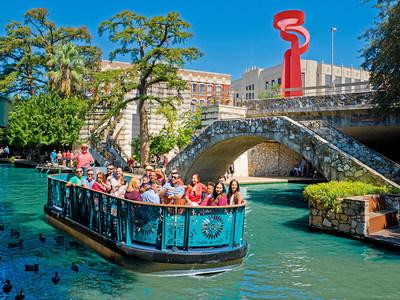 Spring Break fun on the San Antonio River Walk