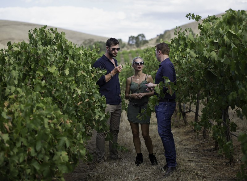 Chris Hemsworth and Elsa Pataky with Jacob's Creek Double Barrel Chief Winemaker Ben Bryant in the newly named Hemsworth Block. Photo credit: Cristian Prieto