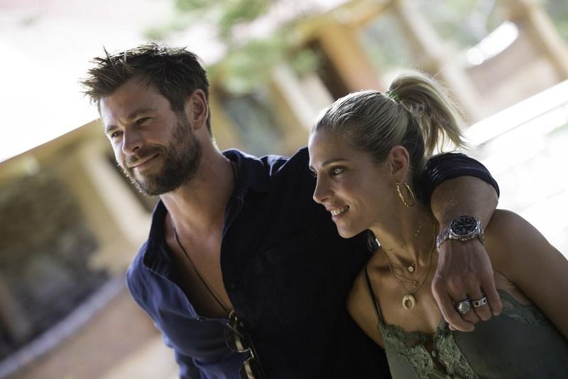 Chris Hemsworth, la voix de la nouvelle campagne Double Barrel, et sa femme, Elsa Pataky, visitent le domaine Jacob's Creek de la vallée Barossa. Crédit photo : Cristian Prieto (PRNewsfoto/Jacob's Creek)