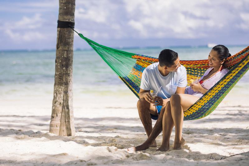 Delta Vacations announces its list of top 10 romantic destinations for destination weddings (PRNewsfoto/Delta Vacations)