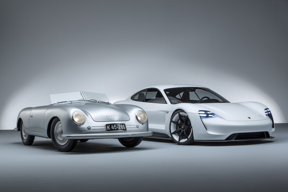 Automobiles Porsche Canada, Ltée, a le plaisir de dévoiler une exposition spéciale au Salon international de l'auto du Canada en hommage à « Porsche : 70 ans de voitures de sport ». (Groupe CNW/Automobiles Porsche Canada)