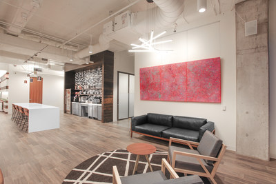 All Serendipity Labs workplaces are designed to upscale brand standards that include furniture, lighting and artwork selection. Pictured here, Serendipity Labs Dallas Hall Arts Lab Café. (Photo Credit: K2 Construction.)