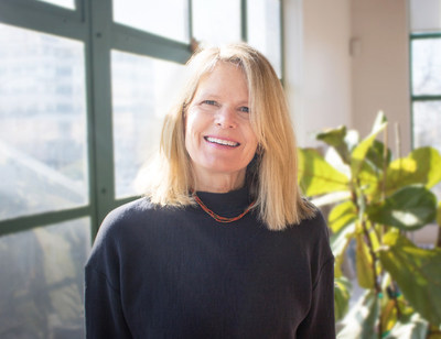 Jane Brown joins Emotive Brand with over 20 years of experience developing corporate and brand identity programs for a broad range of clients, including San Francisco International Airport, University of Phoenix, Gensler, National Geographic Society, Patagonia, Japan Airlines, Chronicle Books, and Xerox.