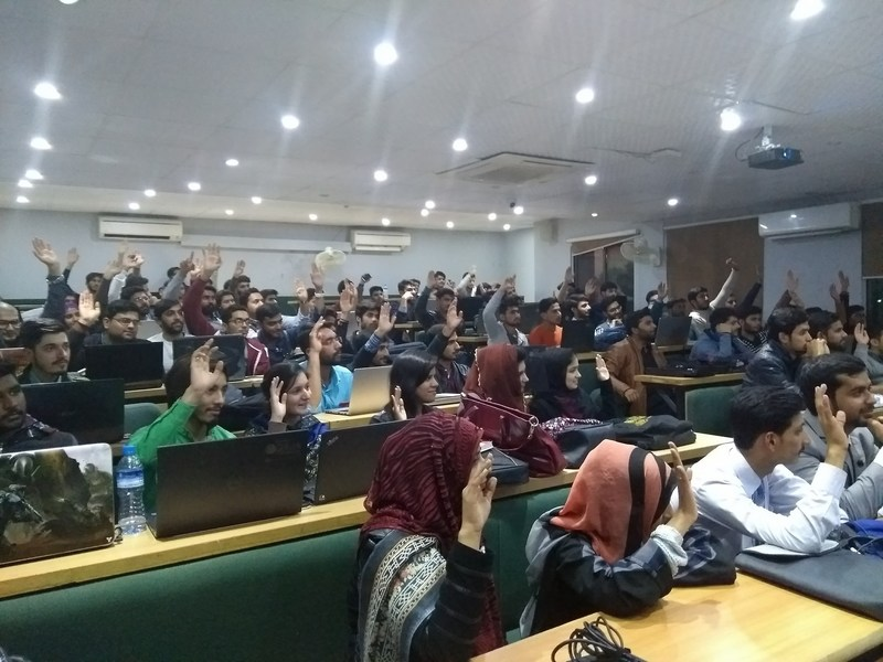 Over 2,000 eager students from 15 different Pakistan universities attended STYLY's workshops on VR.