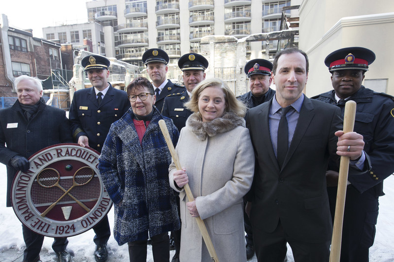 Karen Wallace, President of the Badminton and Racquet Club of Toronto, joined by Councillor Josh Matlow, representatives of the TTC, Toronto Fire Services, Toronto Paramedics, Centennial Infant and Child Centre, and Toronto Police at a commemorative ceremony to show the club's gratitude to all who helped fight the 2017 Valentine's Day fire and keep the Yonge and St. Clair community safe.  BACK ROW LEFT TO RIGHT: Michael Sosedov, Group Station Manager, TTC; Tony Bavota, Deputy Chief, Toronto Fire Services; Dave Cooke, Superintendent, Toronto Paramedics; Peter Rotolo, Commander, Toronto Paramedics; Chazz Stern, Seargeant, Toronto Police Services; Sara Thomas, Inspector, Toronto Police Services.  FRONT ROW LEFT TO RIGHT: Debra Bond-Gorr, Chief Development Officer, Centennial Infant and Child Centre; Karen Wallace, President, The B&R; Josh Matlow, Councillor, Ward 22. (CNW Group/The Badminton and Racquet Club of Toronto)