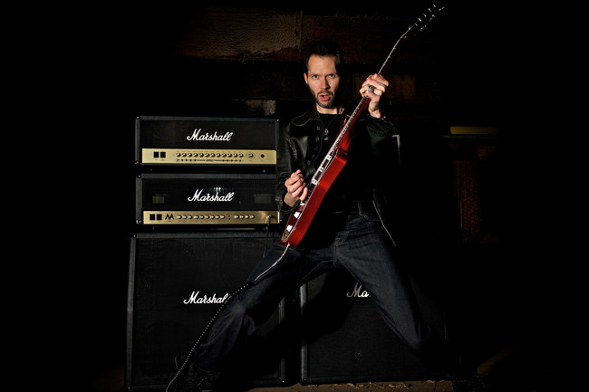 Paul Gilbert can teach anyone how to play guitar like a rock star.