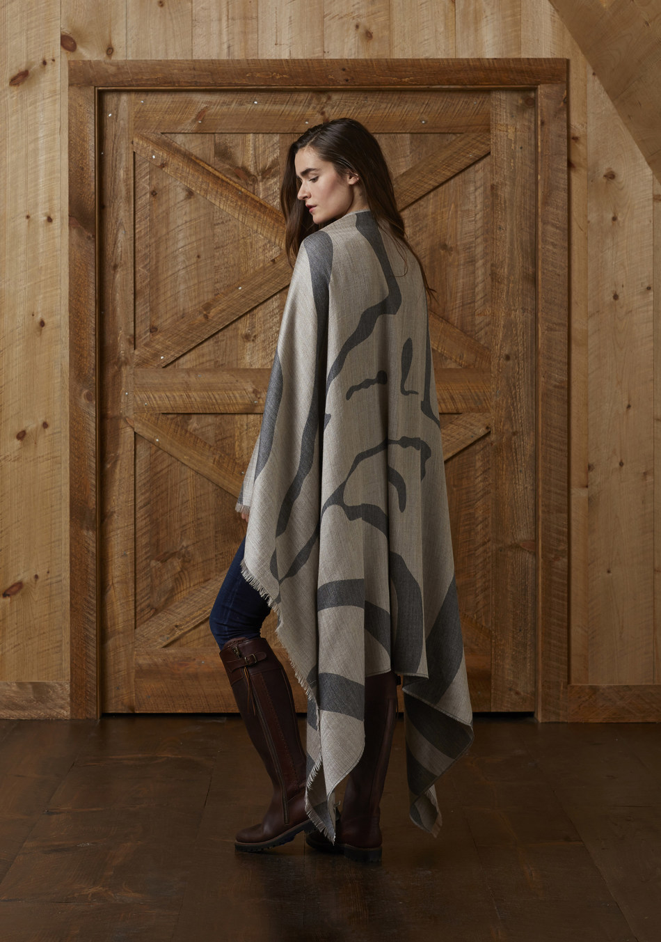 alicia adams alpaca - Safari Wrap. 100% baby alpaca | Photographer: Tom Moore | https://www.aliciaadamsalpaca.com/shop/accessories/safari-wrap/