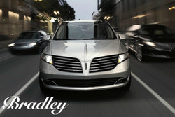 Bradley Ford provides interested SUV shoppers with a way to research the 2018 Lincoln MKT